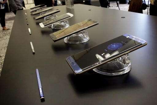 Samsung Galaxy Note 7 Phone Unlocks With Iris Scanner